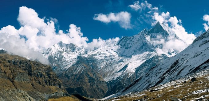 Counytries accessible to travelers Nepal Himalaya